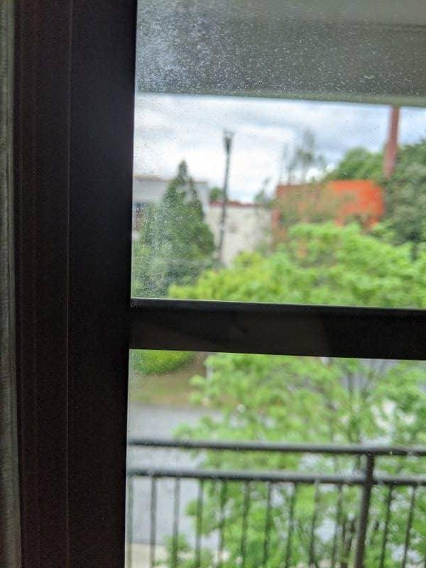 4 Dirty Window