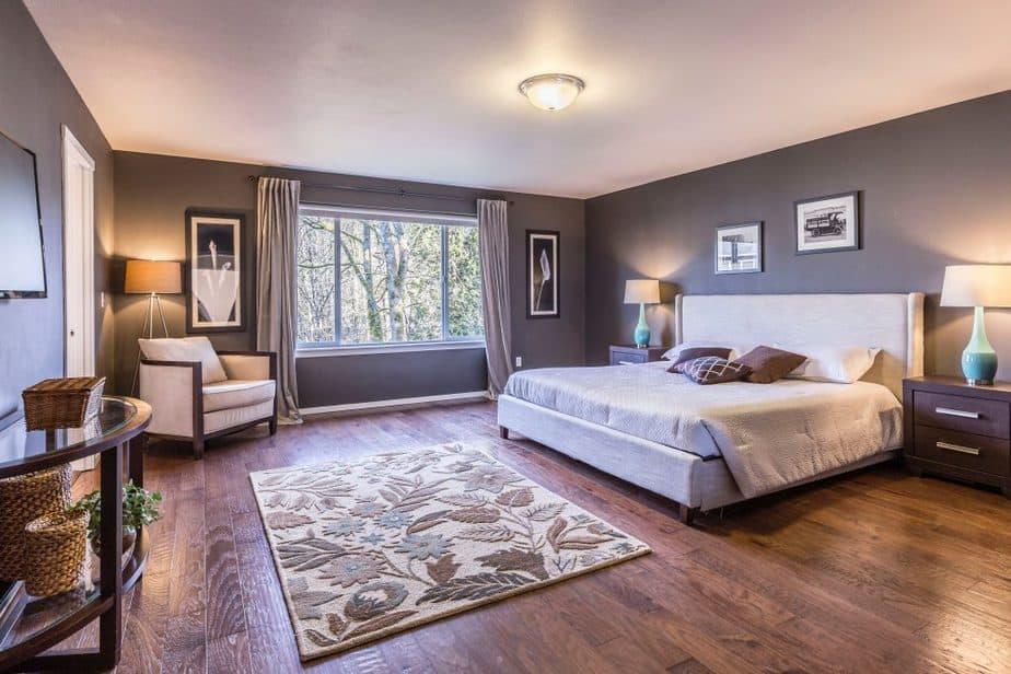 7 furniture spacious area