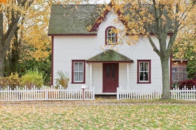 9 Cream House