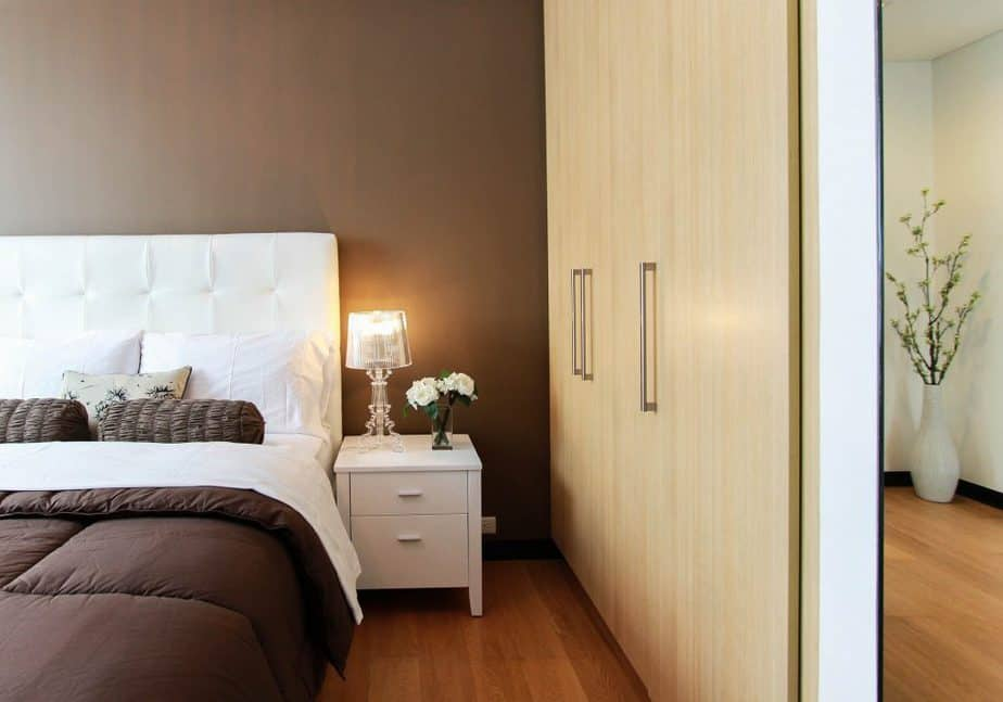 Fitted Wardrobes 2 Rough Guide