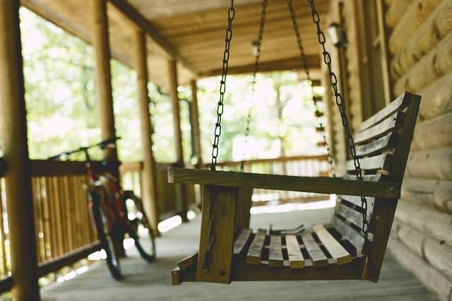 10 Hanging Bench