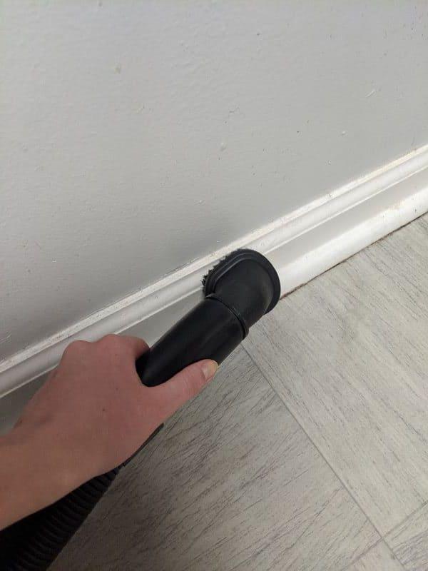 3 Vacuum Dust