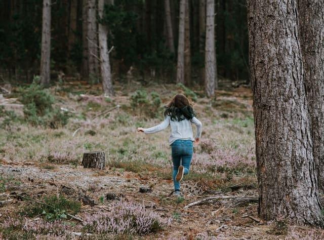 1 Camouflague Kid Running