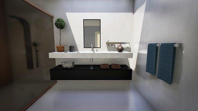 10 black wall in bathroom