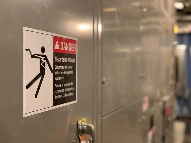 5 danger volt shock warning