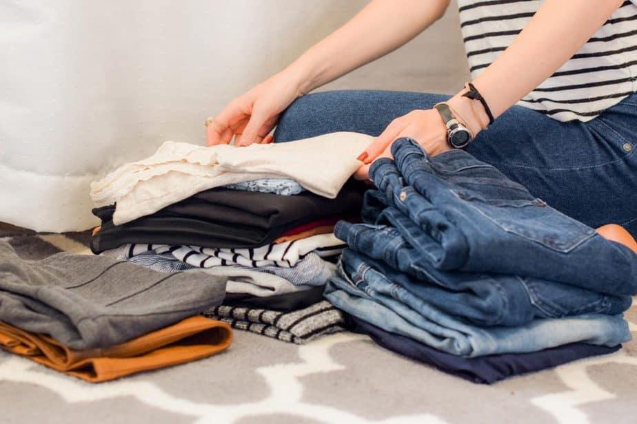 3 Folding clothes