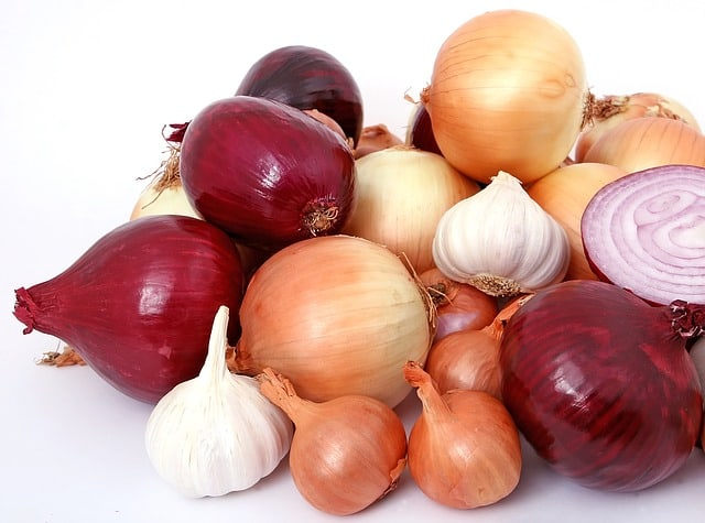 2 Red and Yellow Onions