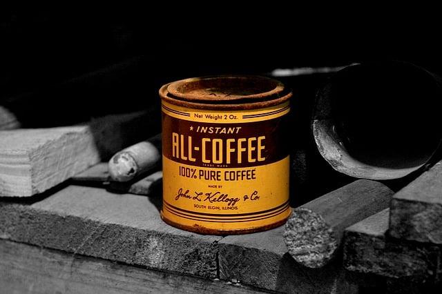 Coffee Can Sturdy Birdhouse