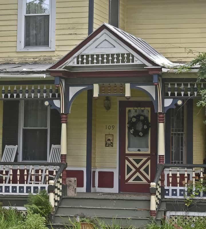 10 Tying in Trim and Door Color
