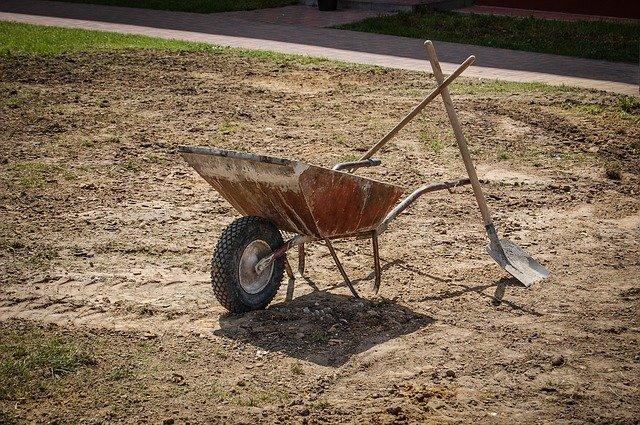 2 Shovel with Dirt Field