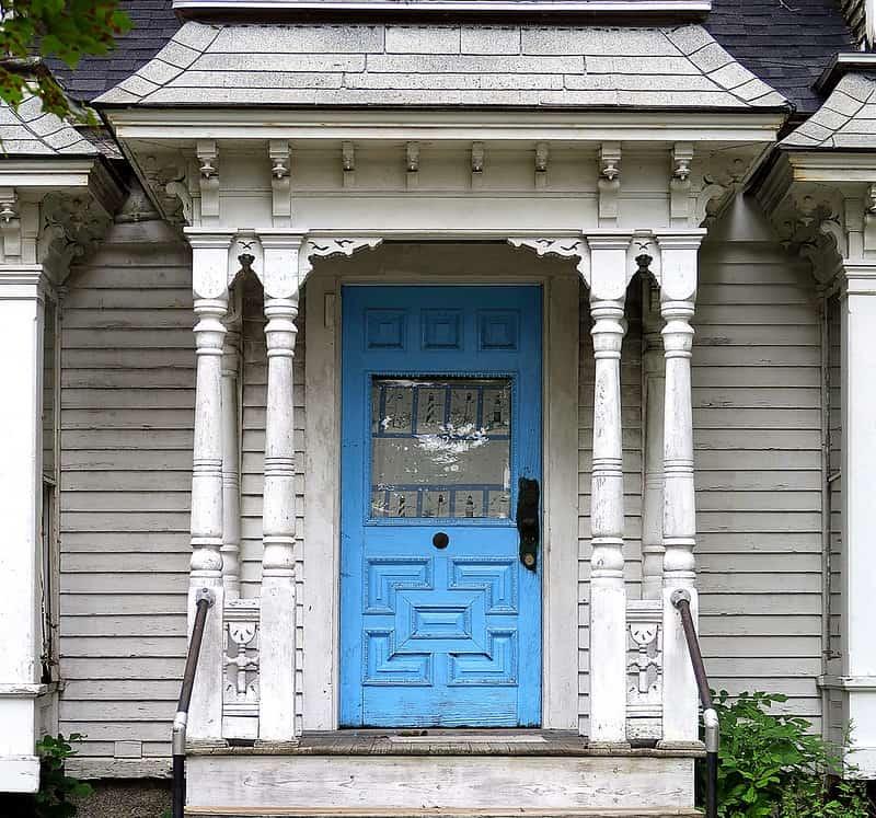 20 Overhang Front Door