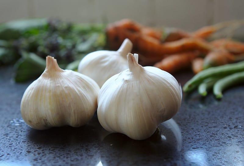 25 Garlic Cloves