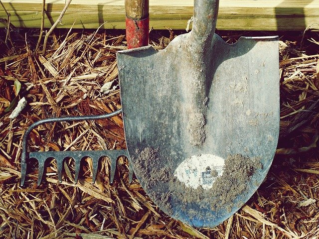 6 Shovel and Rake