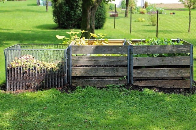 5 Compost Bins
