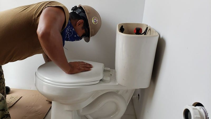 4 Labor for Toilet Installation