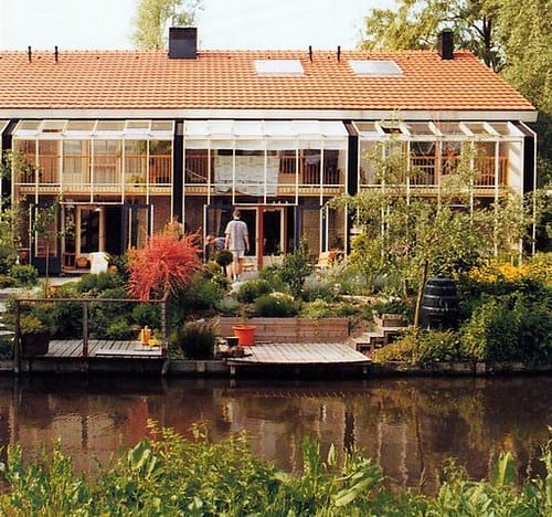 1 Large Sunrooms with Lake