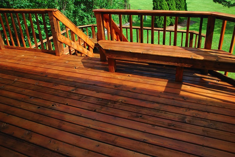 2 Types of Deck Stains