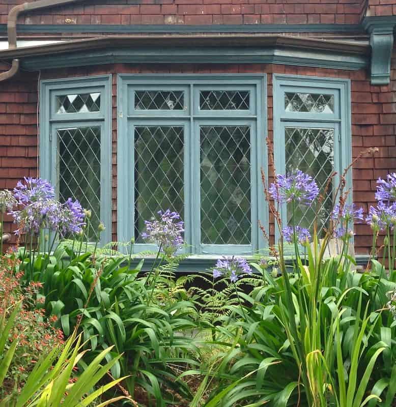 1 Classic Bay Window