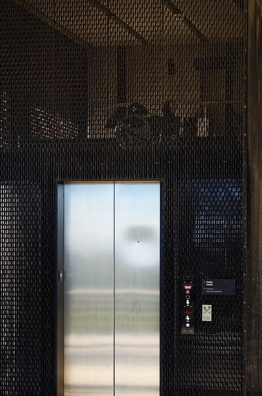 1 Modern Elevator