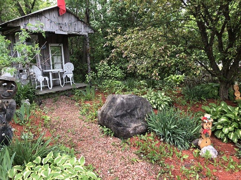 10 Country Garden
