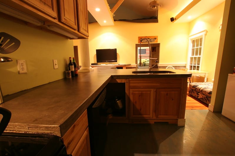 15 Cupboards and Counter with Storage