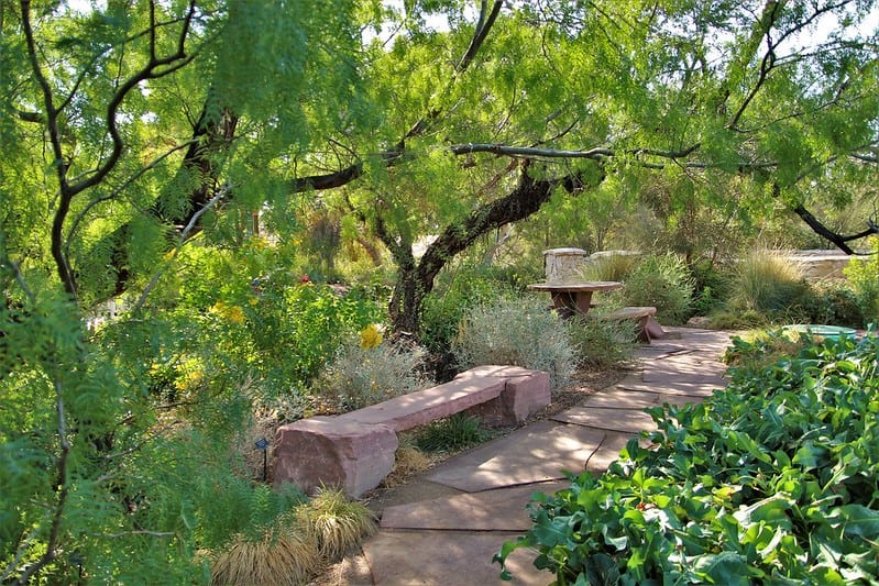 15 Garden Path
