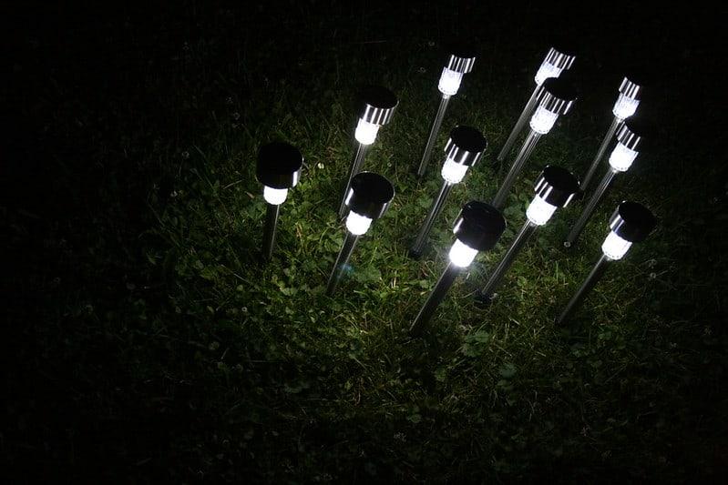 18 Solar Lights