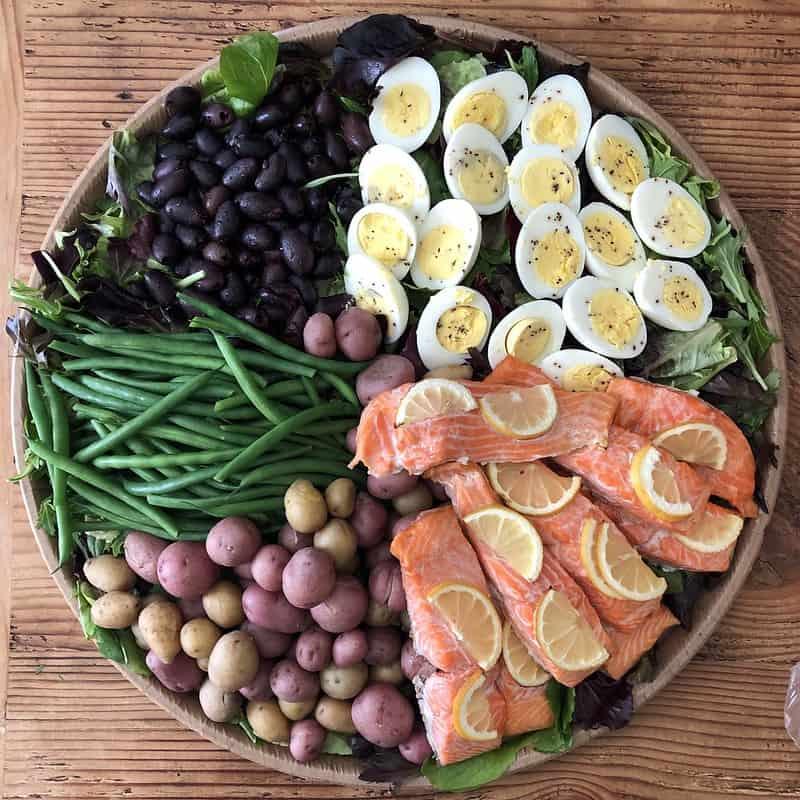 11 Nicoise Olives